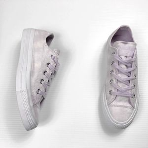 Converse Chuck Taylor Barely Grape Nubuck NEW